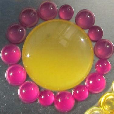 Эпоксиокон фотохромный красный и желтый при дневном свете